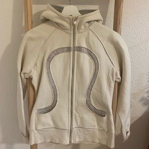 Lululemon scuba hoodie in off white, size 8